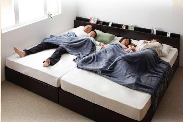 家族4人 ベッド