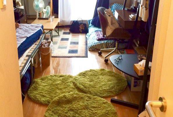 狭い部屋 ベッド